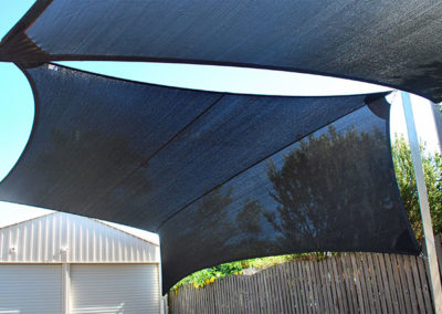 Sail and Sail with Vertical Return 2- Z16 Black with galvanised post
