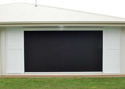 Carbon black pearl white shutters